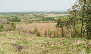 ที่ดิน เนื้อที่ 16 ไร่เศษ ต.เขื่อนผาก อ.พร้าว จ.เชียงใหม่ ราคาไม่แพง เอกสารสิทธิ์โฉนด พร้อมโอน เงียบสงบ บรรยากาศธรรมชาติ เห็นวิวสวยงาม ปลูกต้นลำไยบางส่วน